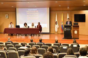 Carlos Alberto Garzón, vicerrector general de la Universidad Nacional de Colombia, dio apertura al seminario (Foto: Aura Flechas /Dirección Nacional de Extensión, Innovación y Propiedad Intelectual / Vicerrectoría de Investigación/U. N.)
