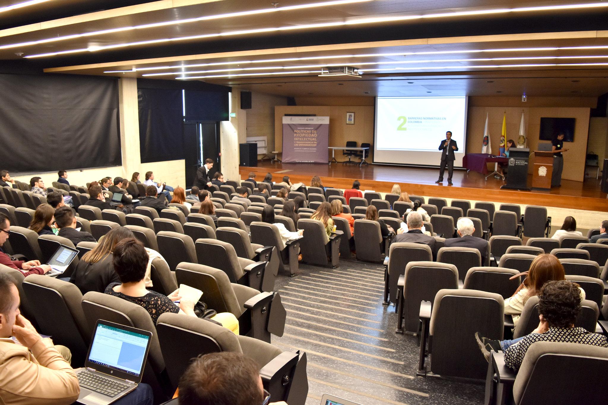 Posibilidades para las universidades públicas tras la promulgación de la Ley 1838 de 2007 ('Spin-off')  (Foto: Andrés Barriga / Vicerrectoría de Investigación, Universidad Nacional de Colombia)