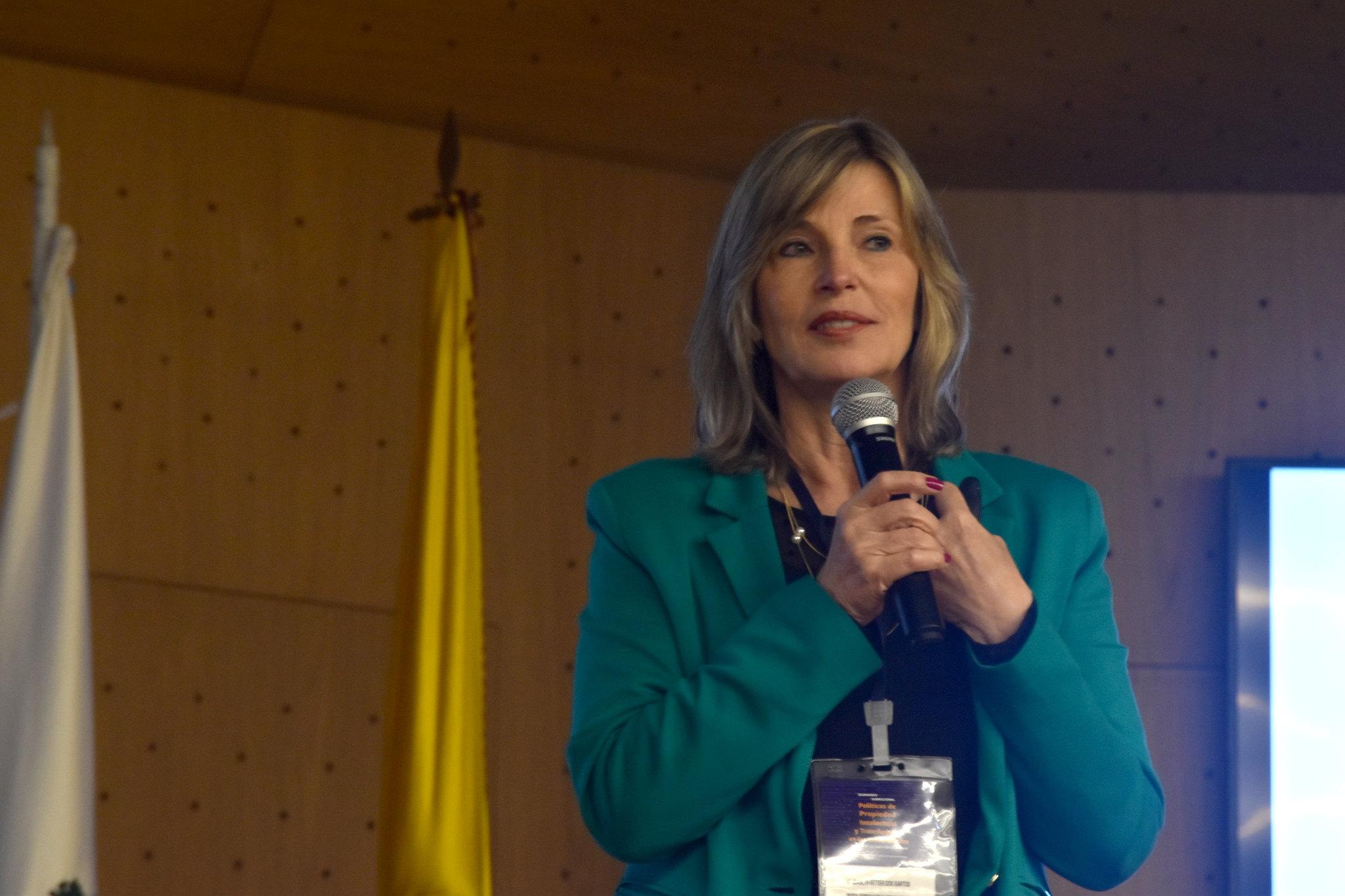 Elizabeth Ritter dos Santos, directora de la Oficina de Transferencia Tecnológica de la Pontificia U. Católica de Río Grande del Sur (ETT-PUCRS) (Foto: Aura Flechas / DNEIPI / Vicerrectoría de Investigación (VRI) - Universidad Nacional de Colombia)